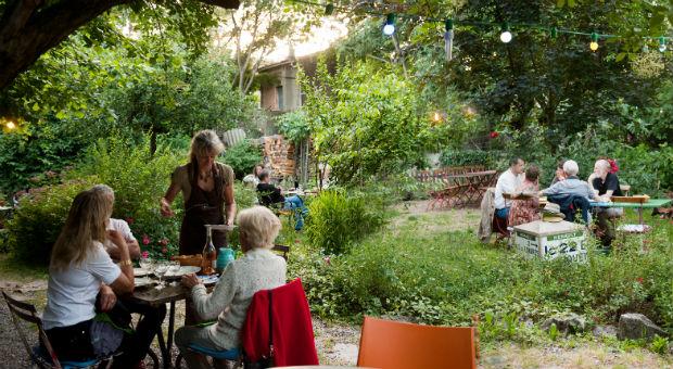 Le repas au jardin auberge de la filature st bauzille for Auberge le jardin